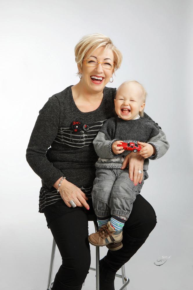 Isoäiti-lapsi -kuva